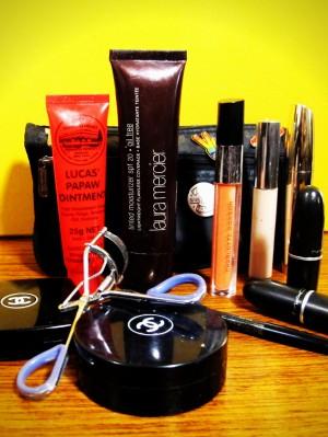 chrissie_miller_makeup_bag