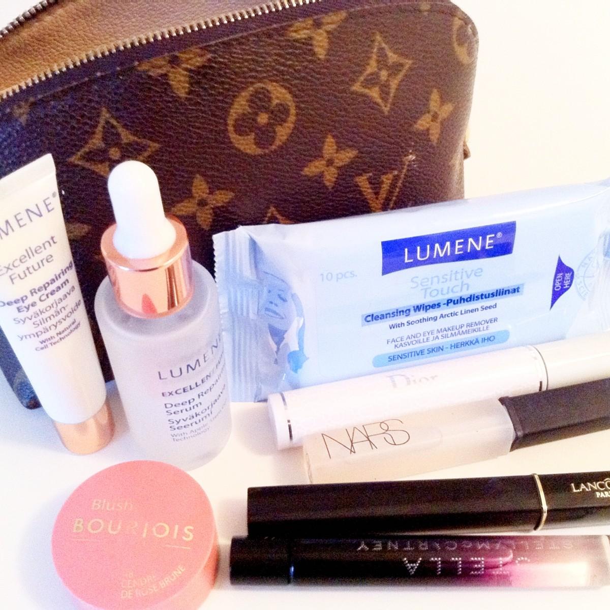 byrdie_bell_makeup_bag