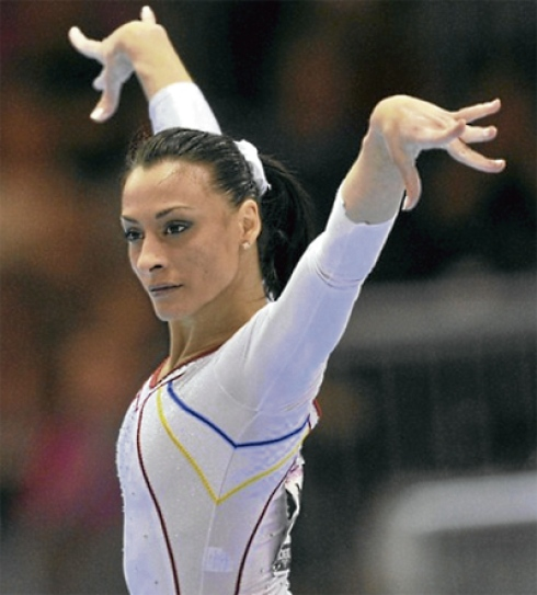 Romanian Women Gymnast Catalina Ponor 35