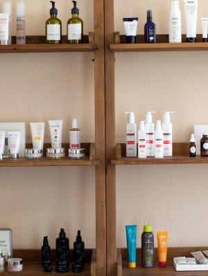 ayla-Shelves1