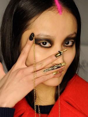 libertine-aw-2015-runway-makeup-nails