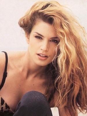 06-yg54-90s-hair-supermodel-Cindy-Crawford1