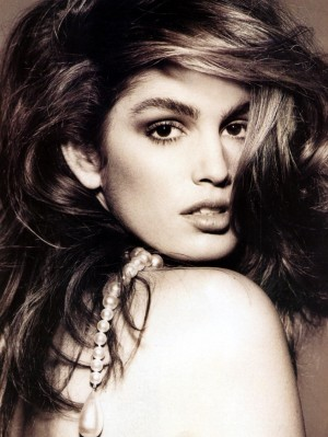 a-guide-to-cool-cindy-crawford-folkr-blog-photo-mode-17