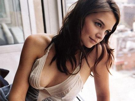 http://beautybanter.com/wp-content/uploads/image-import/_K5P46qGHCkU/R24luLCDfBI/AAAAAAAABIM/e0BsWg5E8O8/s1600-h/katieholmes.jpg